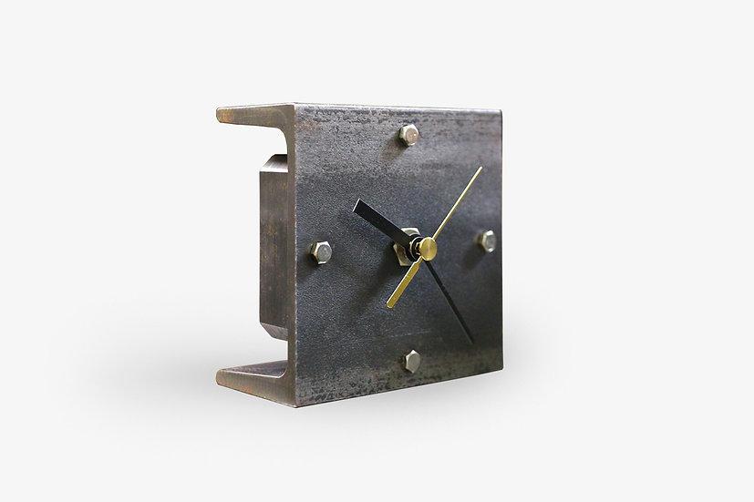 ずっしり。錆び鉄の置時計【S】受注生産