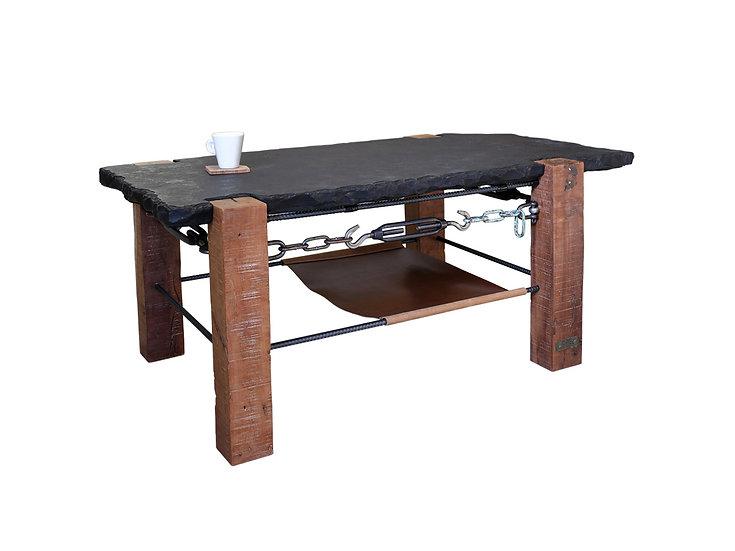 「木」と「鉄」と「石」と「革」のコーヒーテーブル001