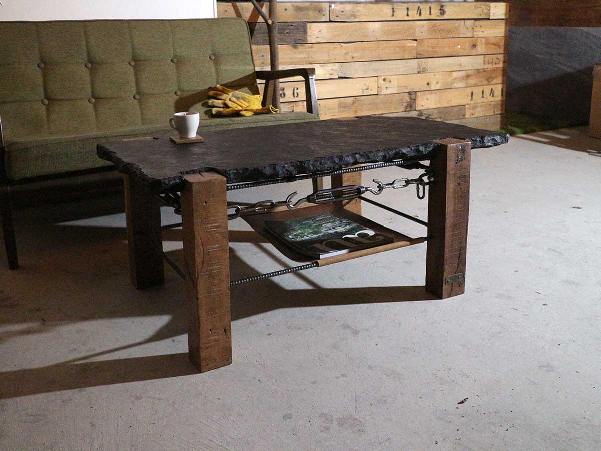 木と鉄と石と革のコーヒーテーブル