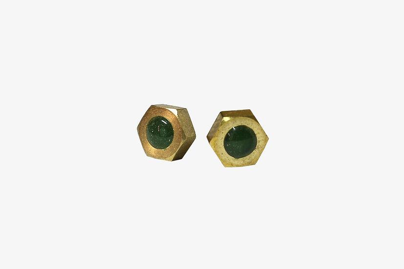 真鍮ナットのシンプルピアス|オリーブ