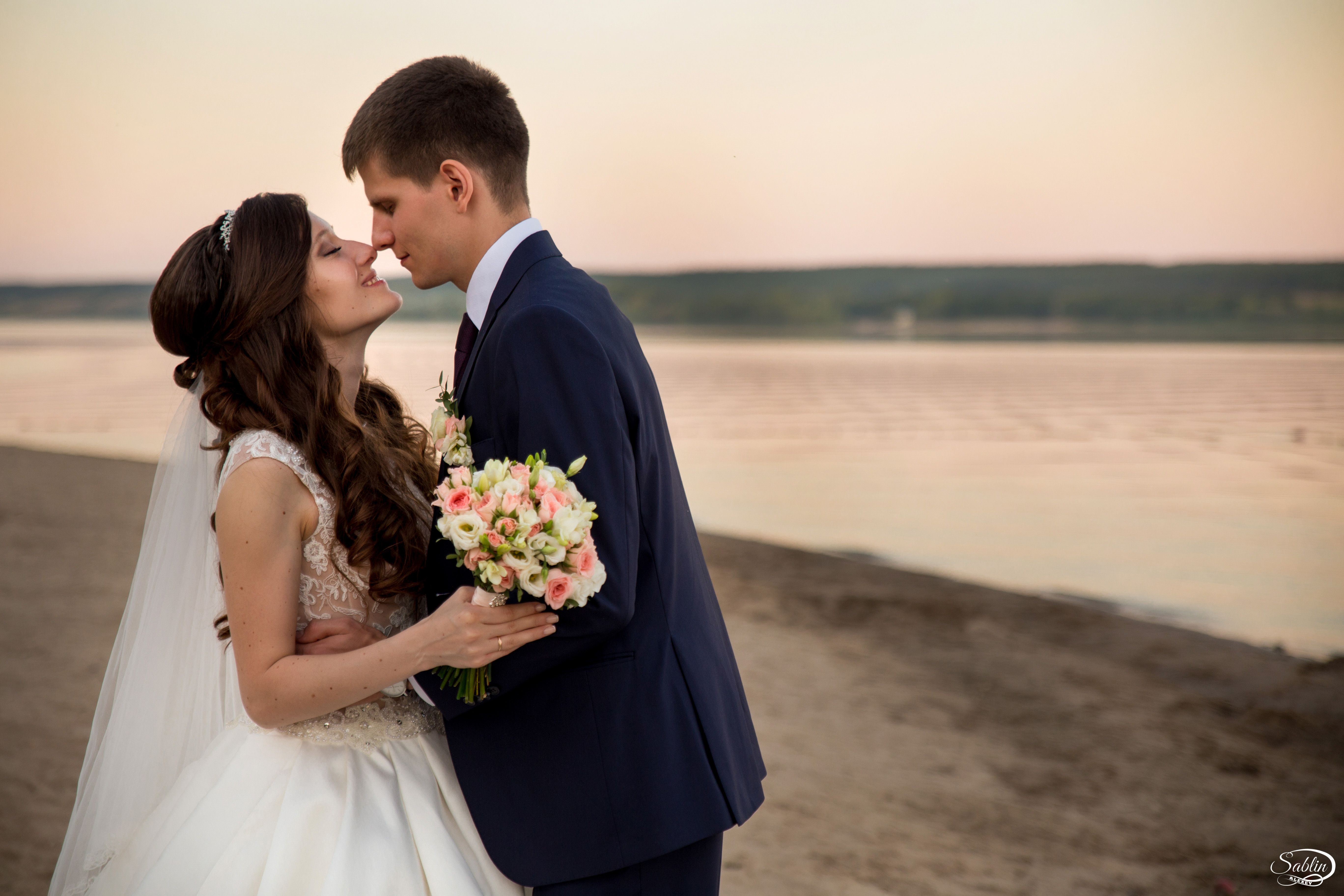 секрет, что работа свадебным фотографом саратов мужчины может