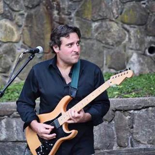 Classic Rock guitarist