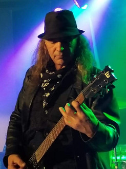 Billy Joel Tribute guitarist