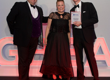 Our Ambassador Leah Hutcheon wins Small Business Entrepreneur of the Year