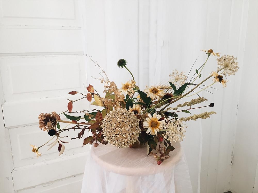 foraged flowers, boise wedding florist