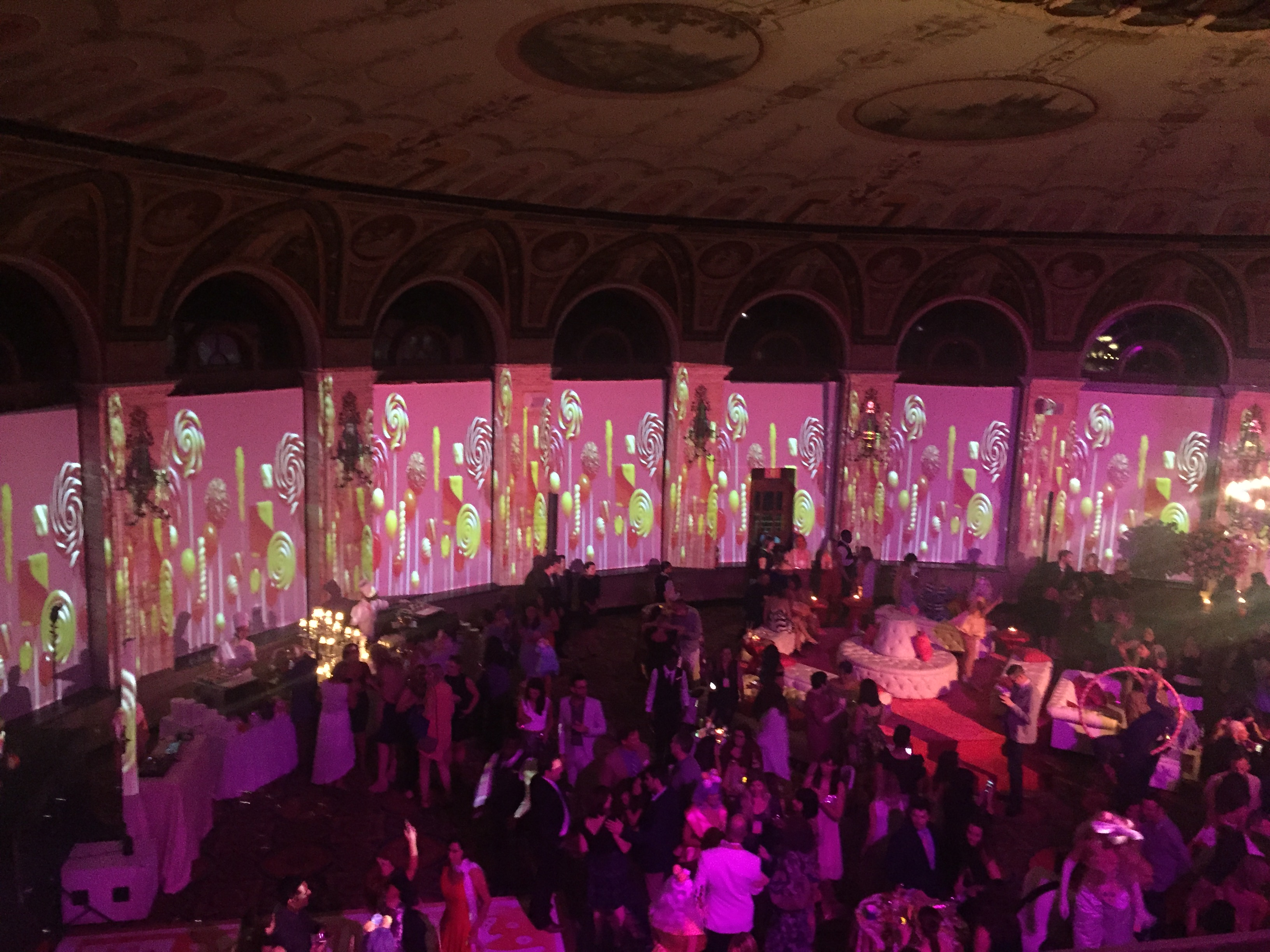 Video Mapping Room in 360