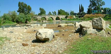 Le pont de Fer sur l'Oronte, lieu historique de la première croisade