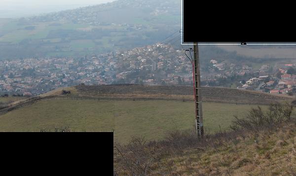 vue de l'angle Sud Est du plateau vers le sud...e l'oppidum...  vers le sud_basdef.png