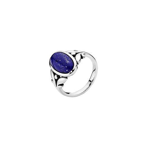 Lund Cph, Ring i oxyderet sterlingsølv med lapis lazuli (925)