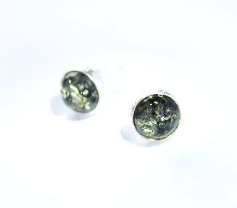 Grøn Rav ørestikker 8 mm med glat kant (925)