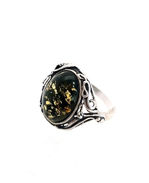 Ring i sterlingsølv med grøn rav (925)