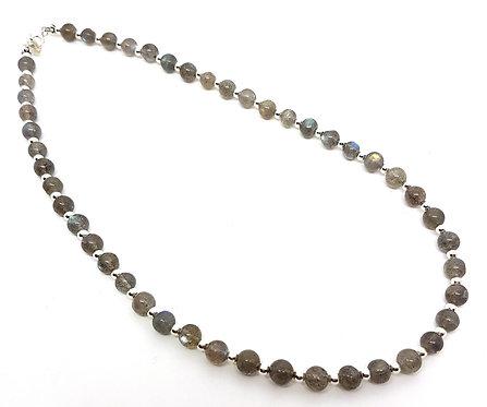 Kila Design, Halskæde med labradorit og sterlingsølv beads (925)