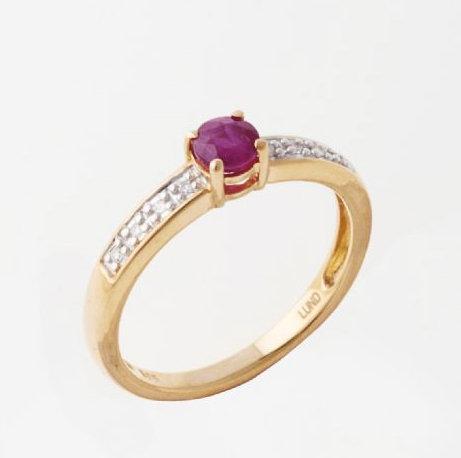 Lund Cph, Ring i 14 kt. guld med rubin og diamanter (585)