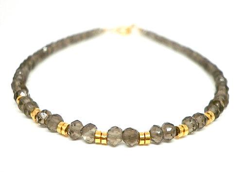Kila Design, Armbånd med røgkvarts og forgyldte sølv beads (925)