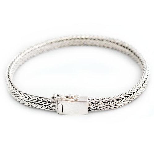 Fladt sildeflet armbånd i sølv