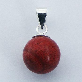 Vedhæng i sterlingsølv med kugleformet æblekoral (925)