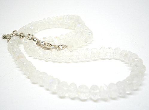 Kila Design, Halskæde med spektrolit og sterlingsølvlås (925)