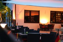 Terrasse Clubhaus Abends
