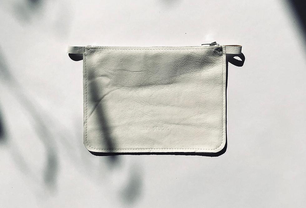 element M biały