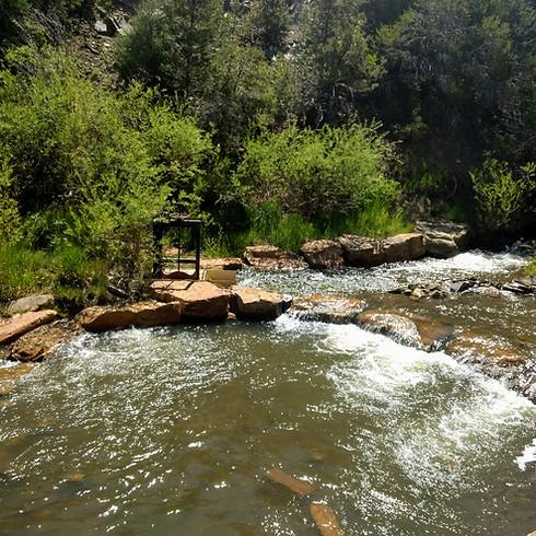 Compartir: El Agua y La Tierra en Taos (1)