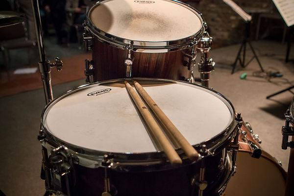 Schlagzeug braun