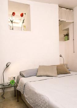 Bedroom- hifg windows