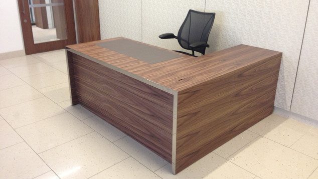 Executive Directors Desk