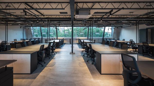 Bespoke geo Desk