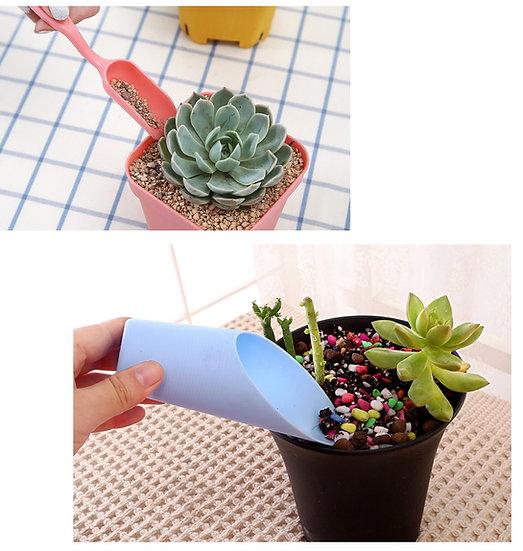 Garden soil scoop spoon