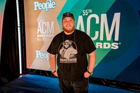 Luke Combs ACM Awards_Derrek Kupish.jpg