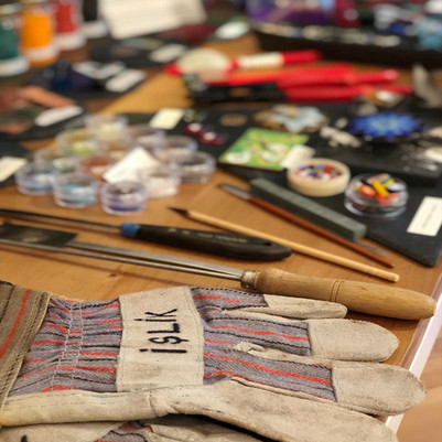 tools and materials of İşlik Atelier.