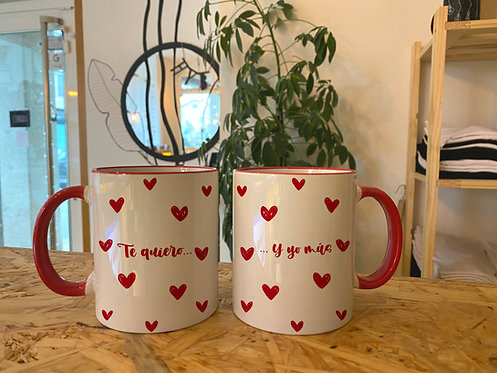 2 tazas rojas corazones