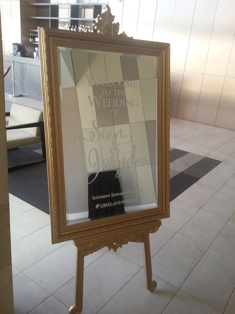 Welcome Sign, Mirror and Easel