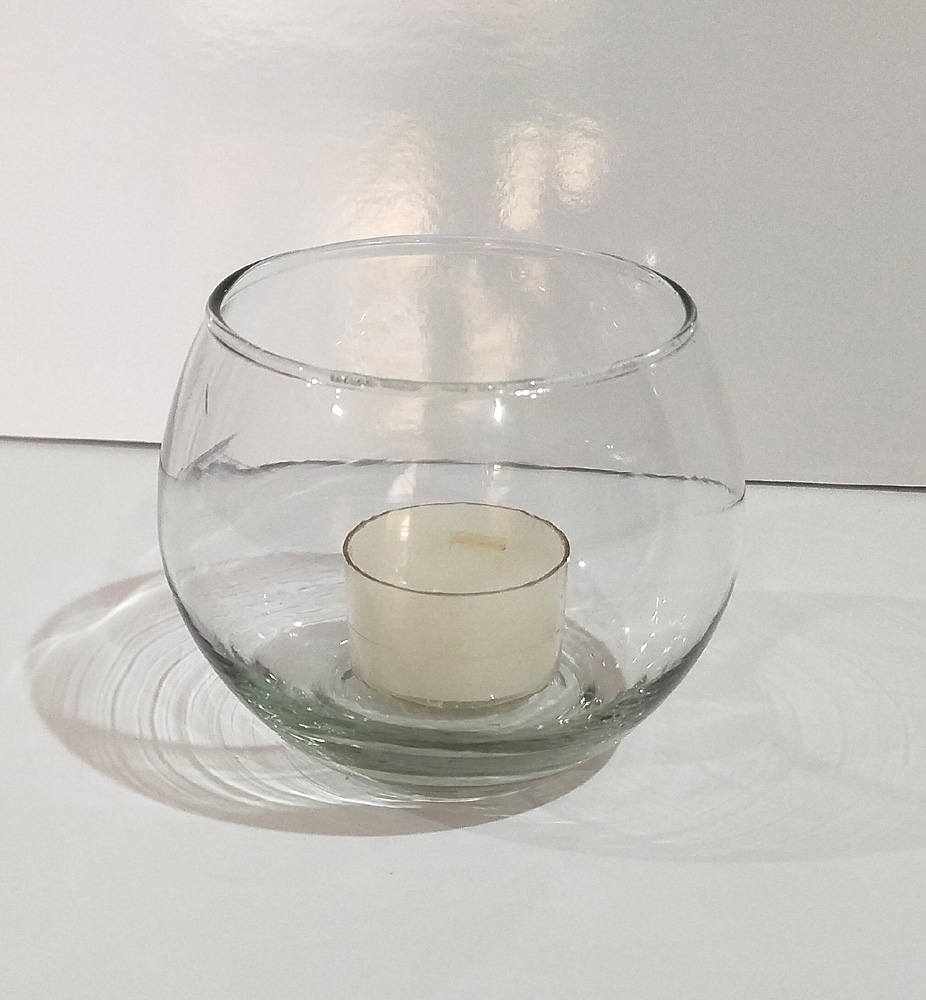 Round candle holder