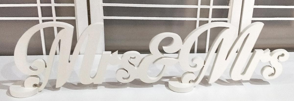 White Mrs & Mrs Sign