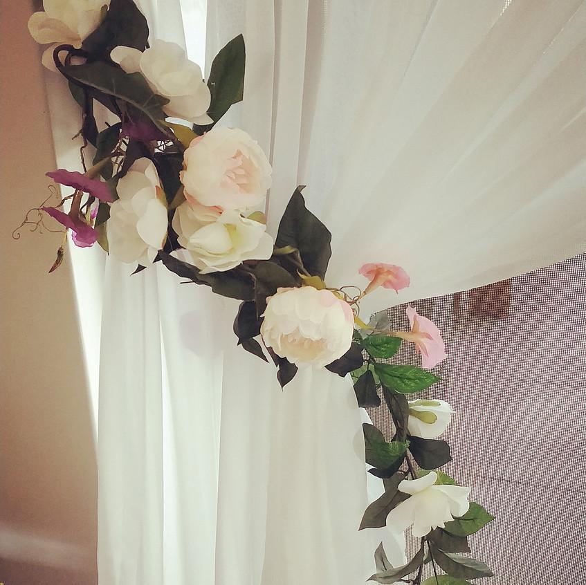 Curtain garland
