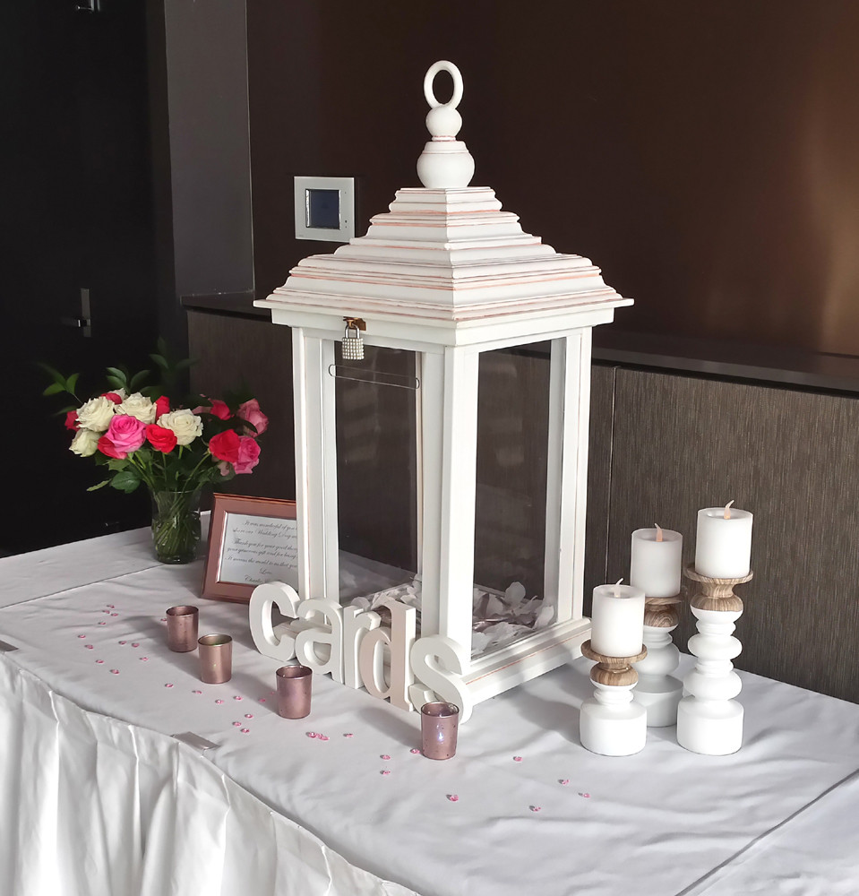 Illuminated Lantern Wishing Well with styling accessories
