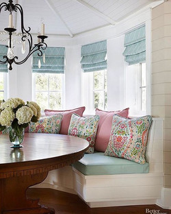 The magic is in the details ⭐️ these light blue roman shades work perfectly