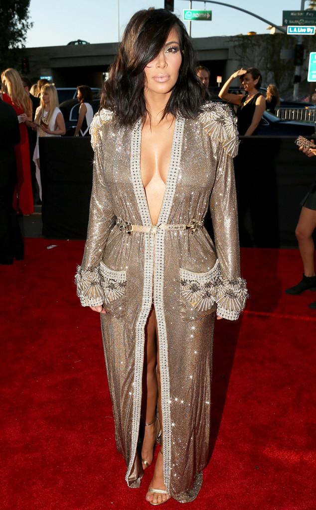 rs_634x1024-150208164431-634.Kim-Kardashian-Grammy-Awards.jl.020815.jpg