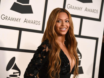 Beyonce wins 2 Grammys, with 3 more nominations including best album