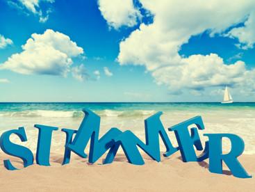 It smells like summer! (5 Summer Essentials)
