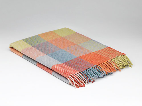 McNutt of Donegal Supersoft Lambswool Check Blanket