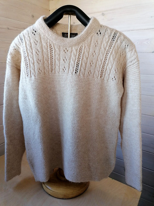 Fisherman out of Ireland crew neck with eyelet stitch detail