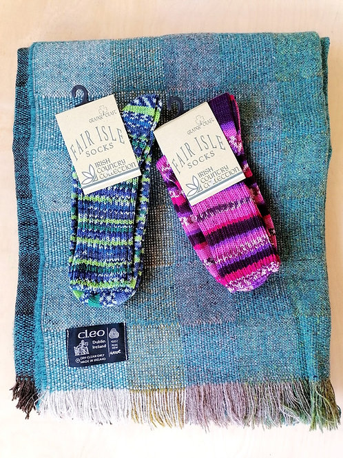Cleo Medium Throw and 2 pairs of Fair Isle socks bundle