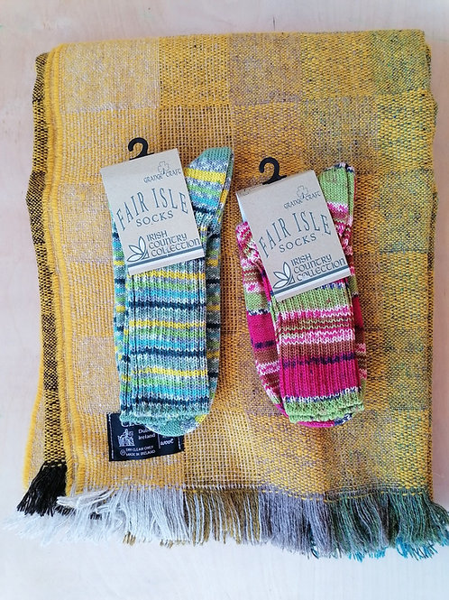 Cleo Large Throw and 2 pairs of Fair Isle socks bundle