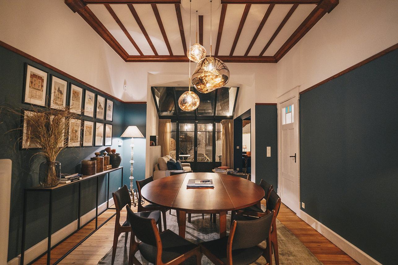 Salle à manger et salon design aménagés et décorés avec style