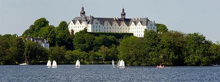 Plöner Schloss am See