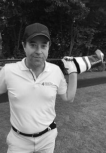 Jan Josef Liefers EDELMETALL Golfschläger Maßgefertigt Hamburg Tatort Manufaktur Fitting Deutschland Golf