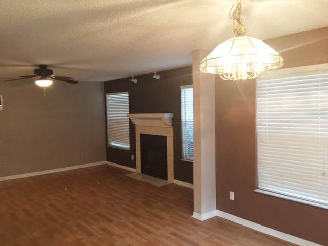 Living Room 3.jpeg