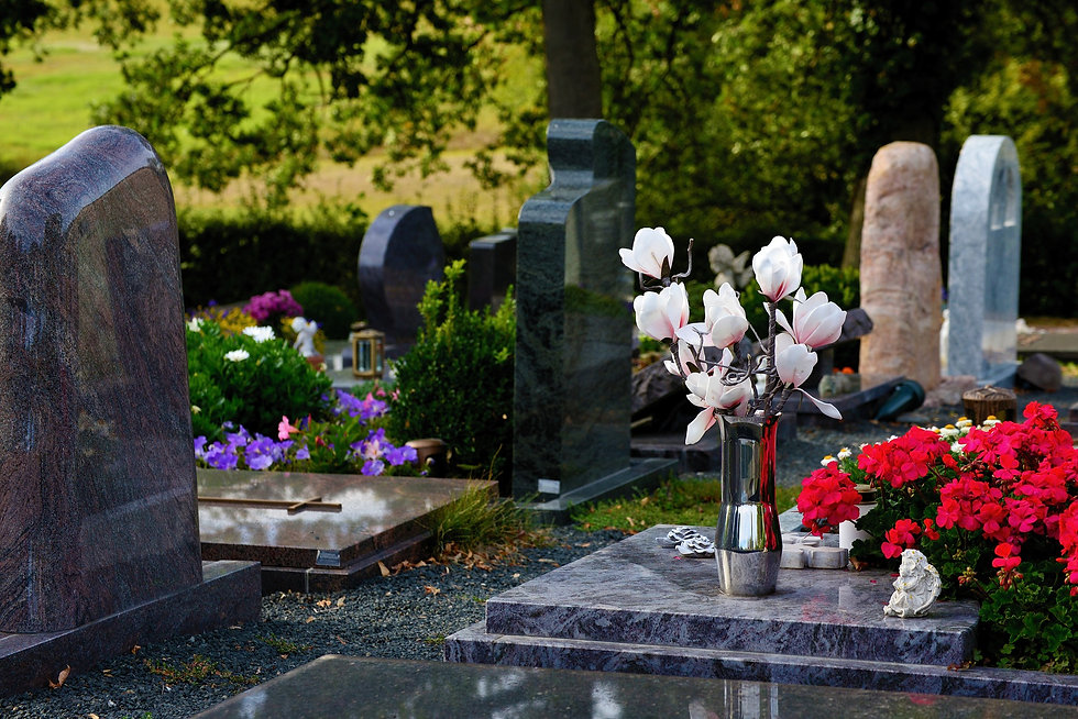 graves-3683272_1920.jpg